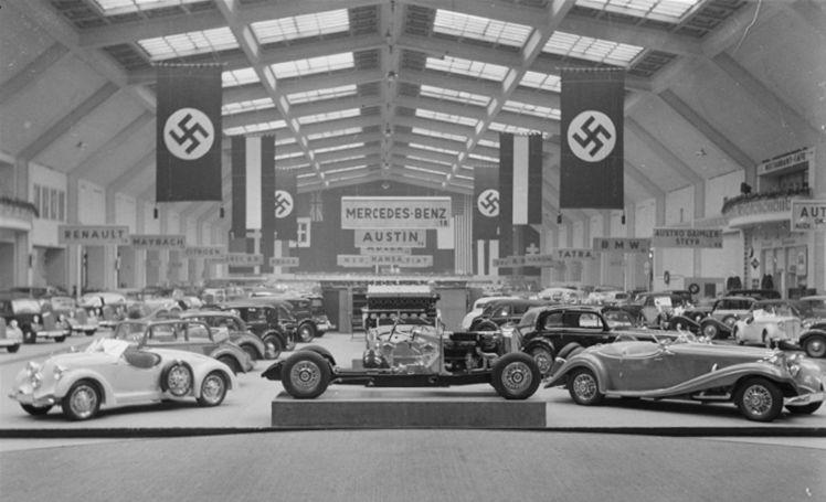 1935 Berlin Auto show.jpg