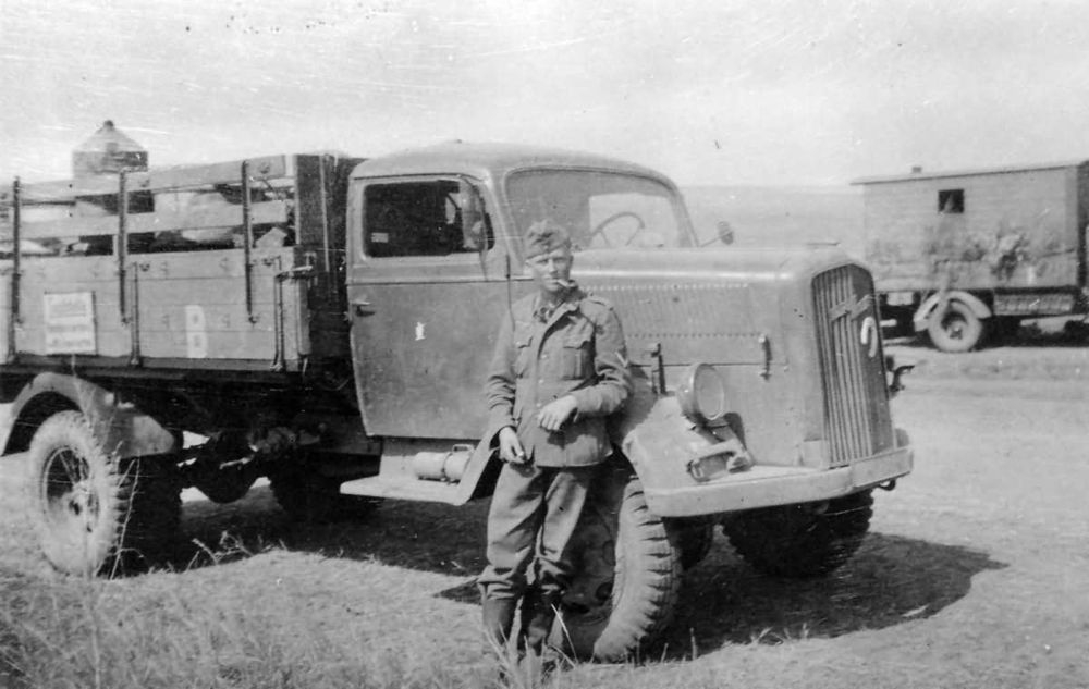 Opel_Blitz_Wehrmacht_truck_4-1.jpg